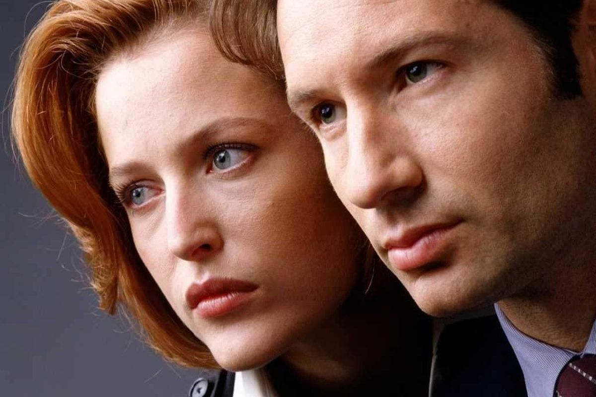 The X-Files' Scully (Gillian Anderson) and Mulder (David Duchovny) will be back for six episodes on Fox.
