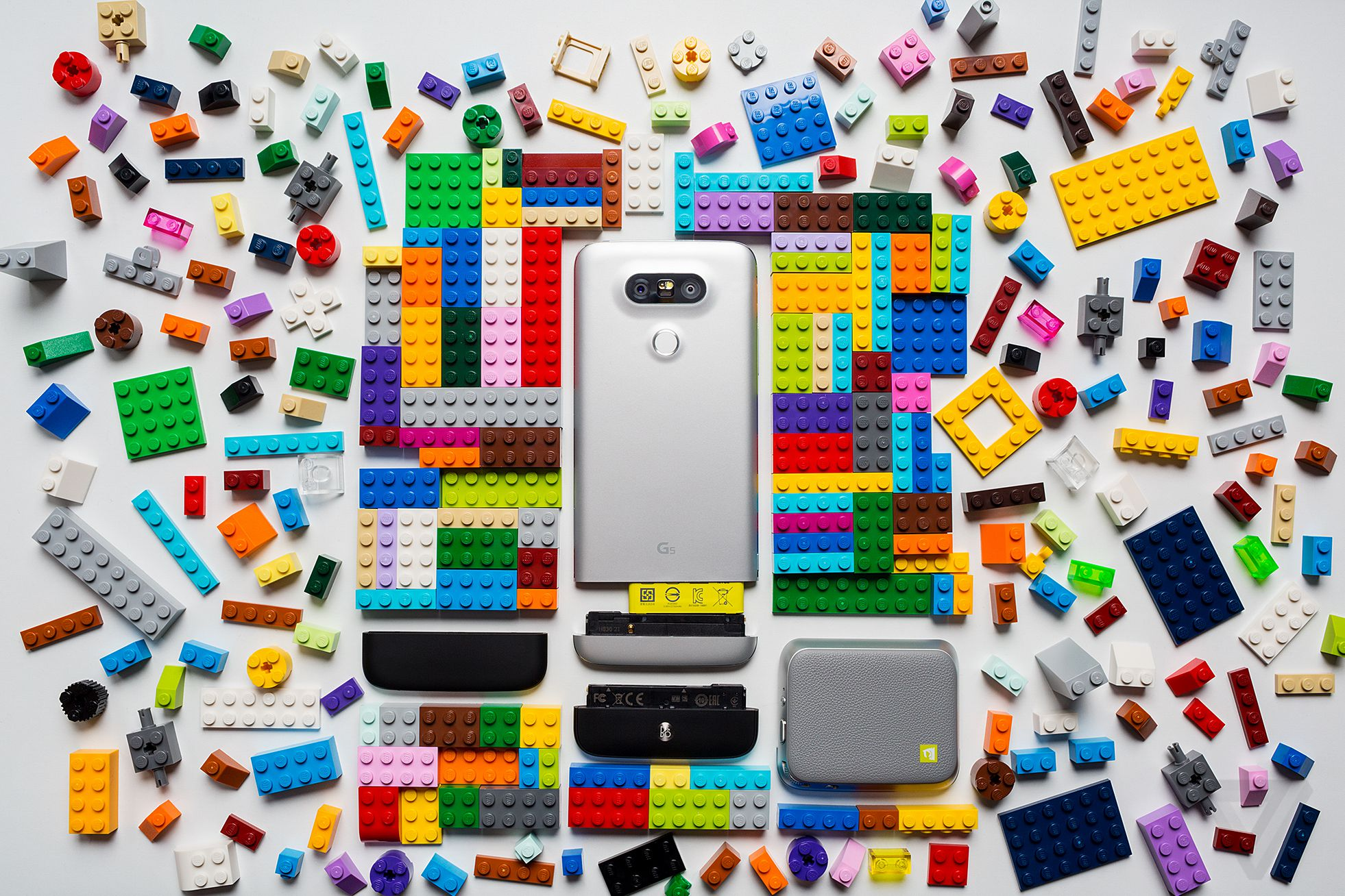 592b78af8909 A big part of me hoped that the LG G5 would be an awesome phone just by  itself. That its optional extras would be something I could ignore and just  get on ...