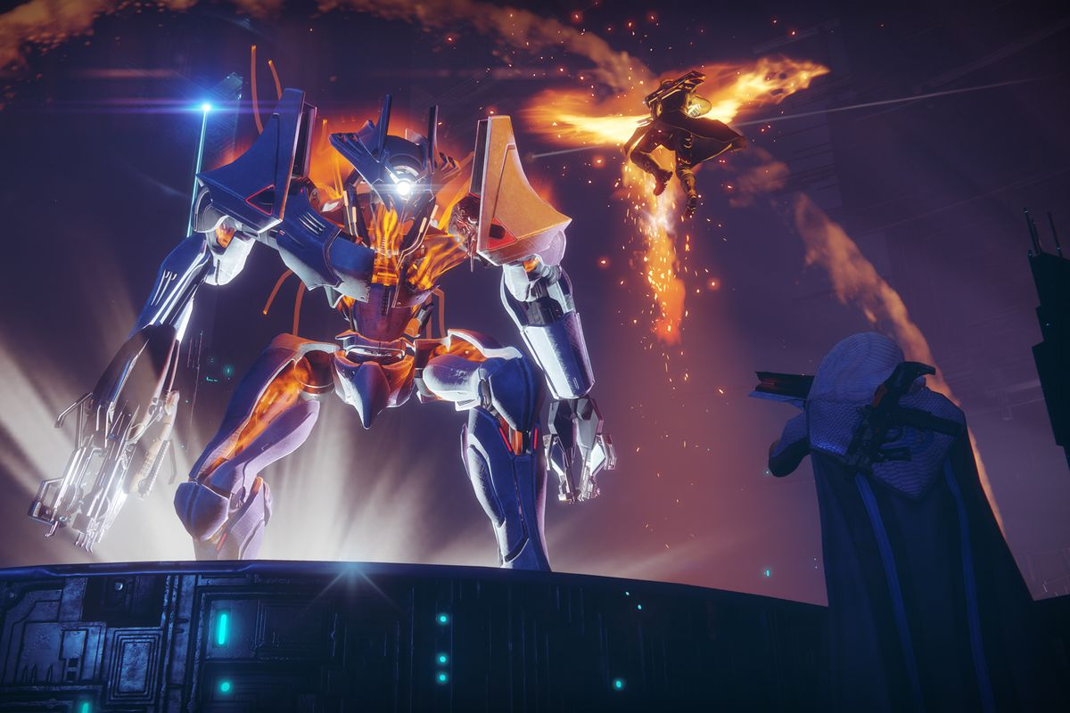 Destiny 2 - two Guardians attacking The Inverted Spire boss