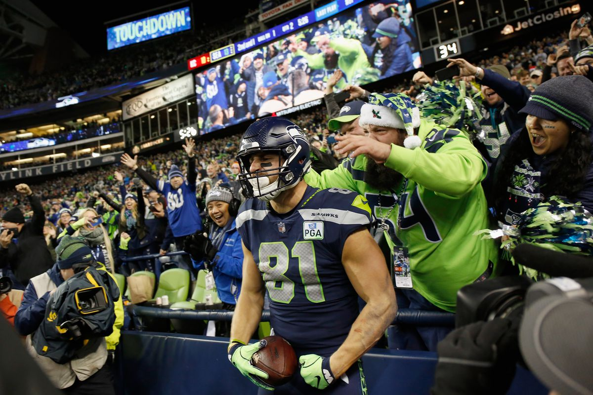 c24902783c3 Seahawks, Russell Wilson thriving in the red zone without Jimmy ...