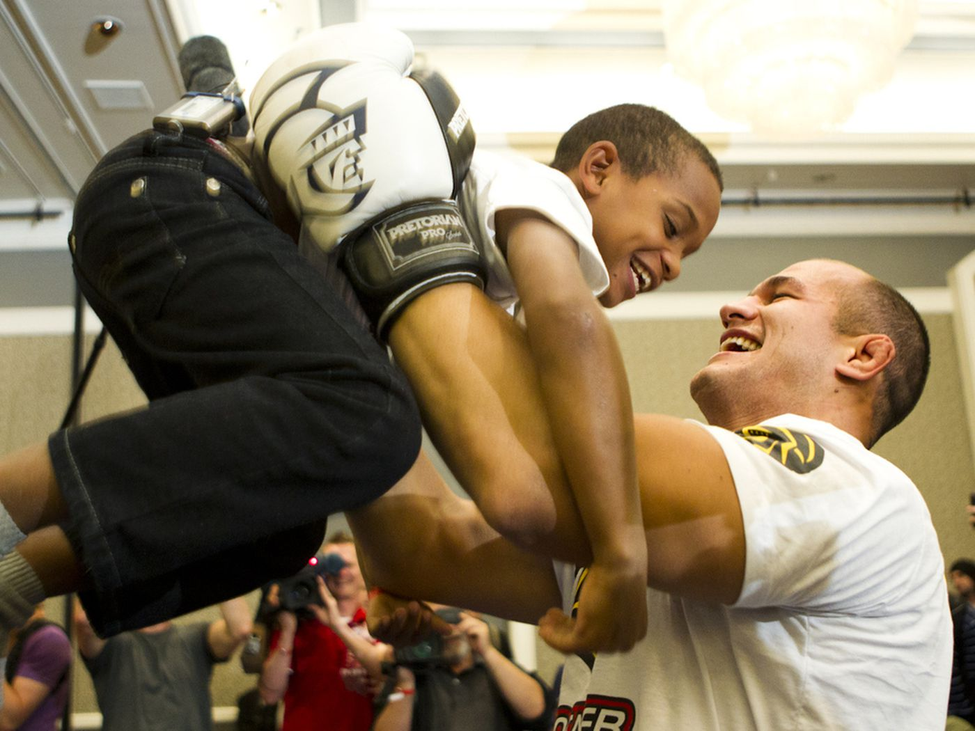 Junior Dos Santos Lucky Charm Wins Boxing Tournament Recalls Fun Trip To Ufc 146 Mma Fighting