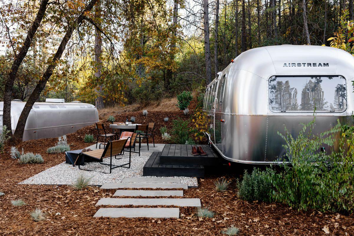 Airstream Hotel Luxury Campground Opens Near Yosemite