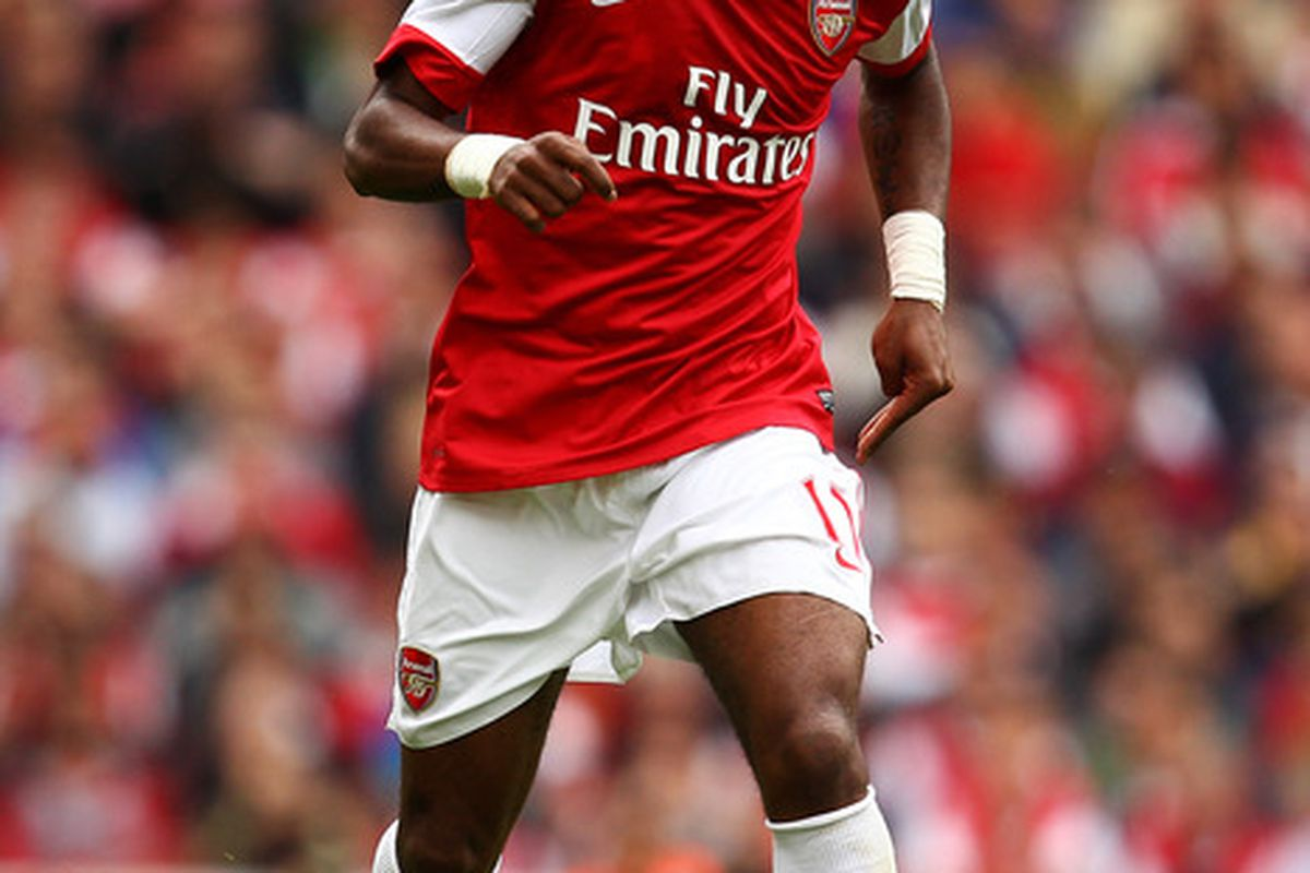 LONDON, ENGLAND - MAY 15:  Alex Song of Arsenal in action during the Barclays Premier League match between Arsenal and Aston Villa at the Emirates Stadium on May 15, 2011 in London, England.  (Photo by Richard Heathcote/Getty Images)