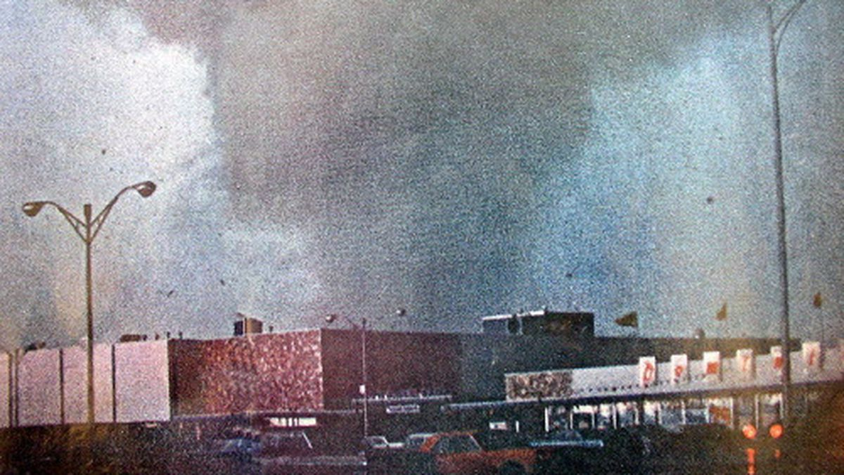 Touching down at approximately 5:29 p.m., the tornado quickly cut a path of destruction across Oak Lawn. This picture was taken by Ron Bacon near the Dominick's Food Store at 87th Street and Cicero Avenue. It appeared in the May 1967 issue of Life magazin