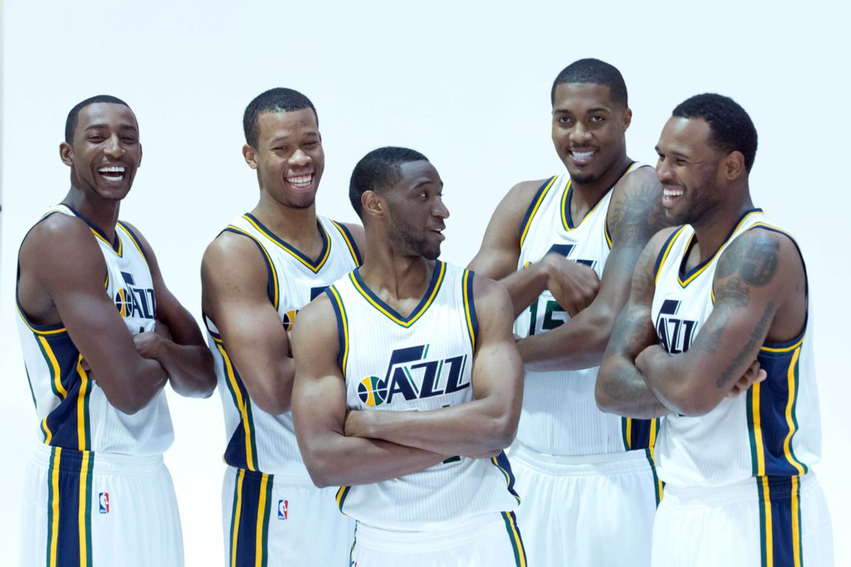 """""""Roster Turn Over means not knowing who the heck this dude is."""" - Ian Clark to Trevor Booker"""