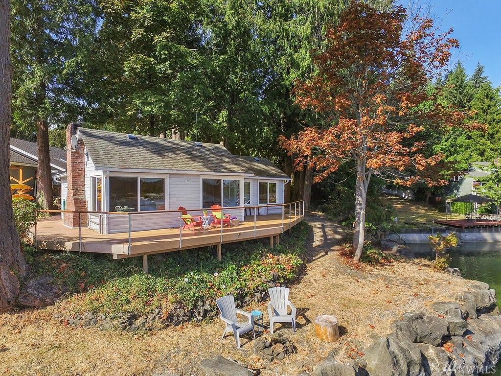 Classic Cabin Is Wrapped In Gig Harbor Waterfront Curbed