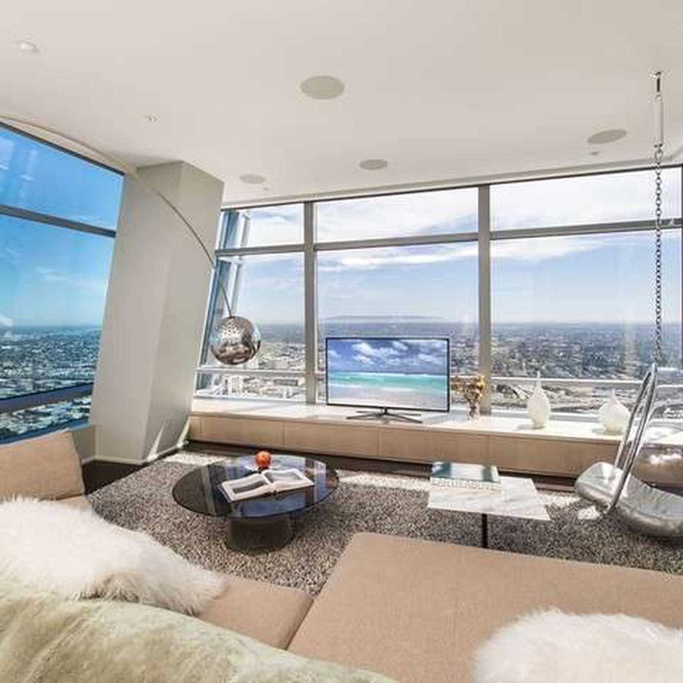 15m Penthouse In South Parks Ritz Carlton Residences Has Great