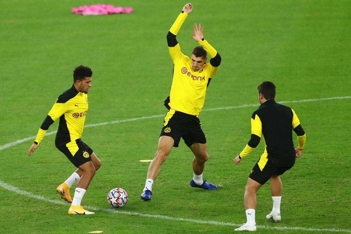 Borussia Dortmund - Press Conference And Training Session