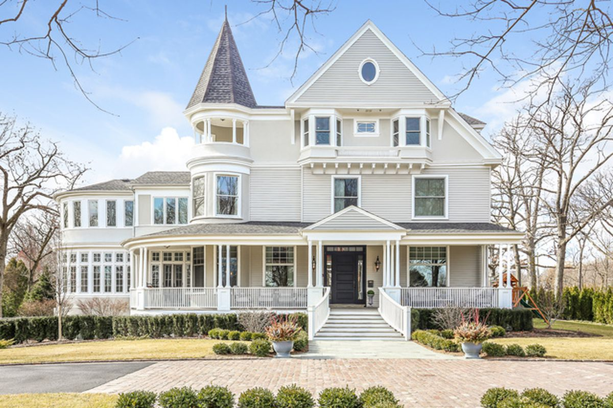 Beautifully restored and updated north shore victorian for Chicago mansion for sale