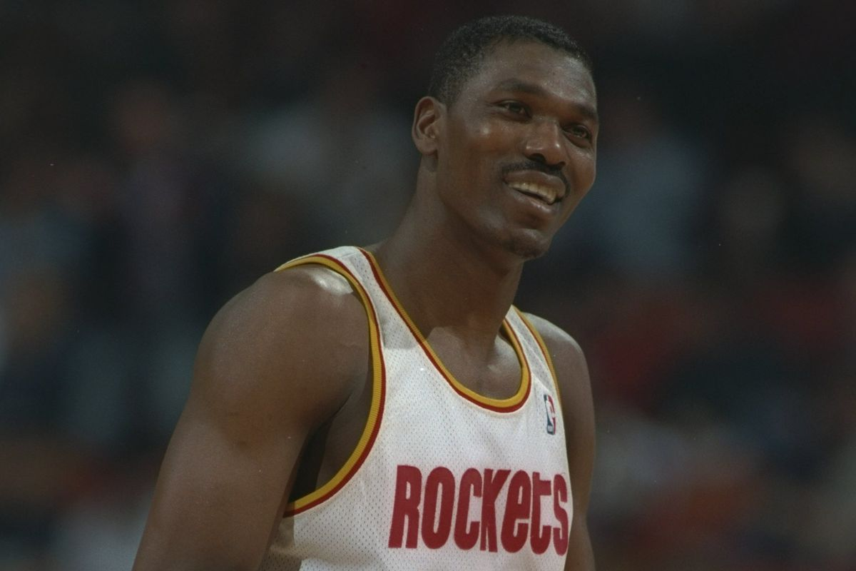 "Rockets legend Hakeem Olajuwon puts the ""Dream Shake"" on Nikola"
