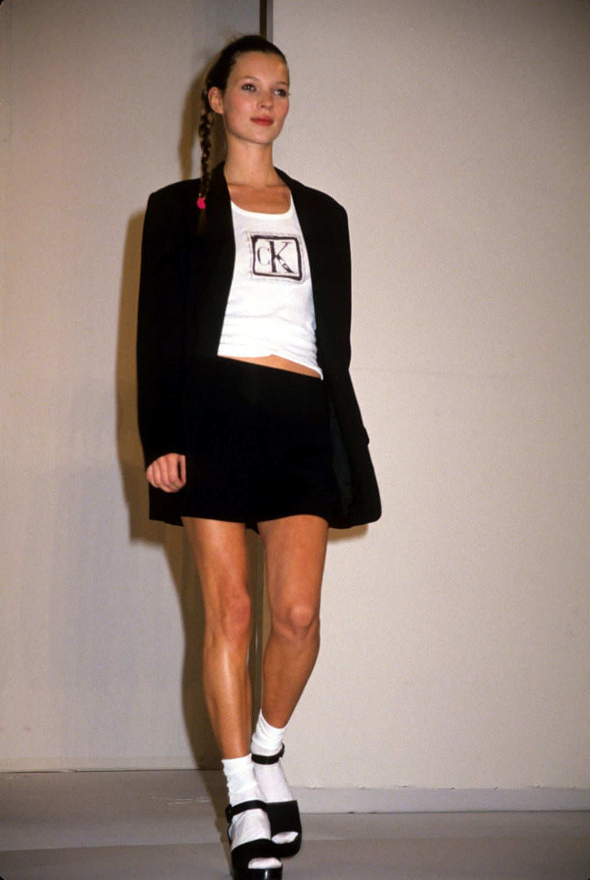 18 Photos From Fashion Week S 1994 Glory Days Racked