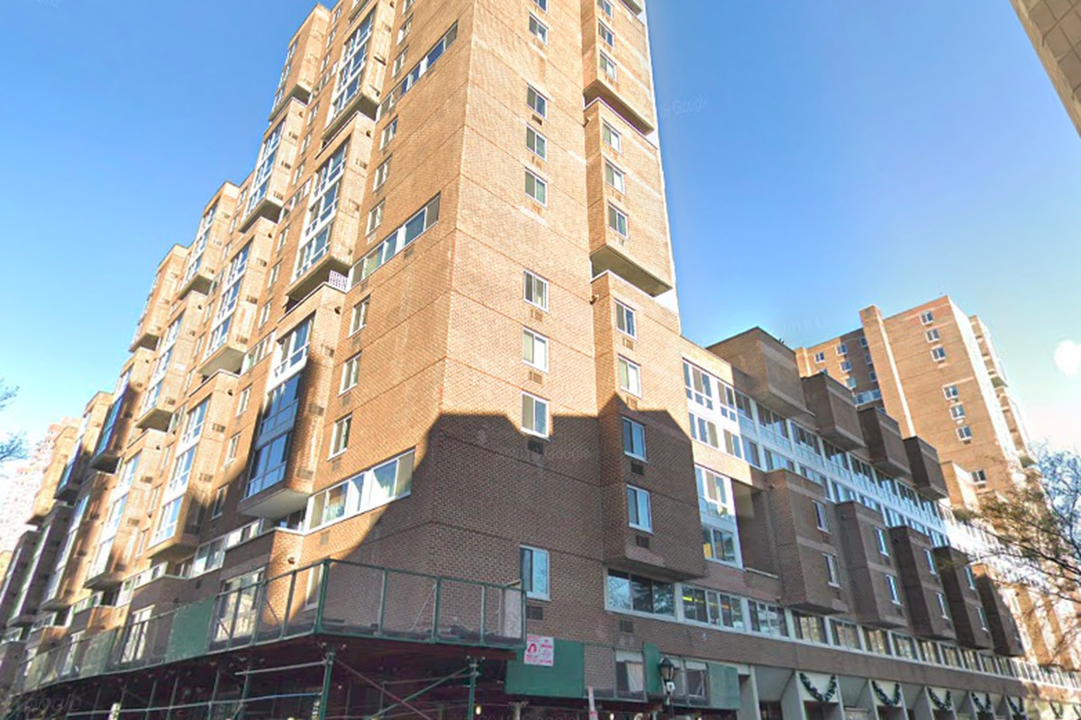 Roosevelt Island S Affordable Housing Complex Gets A Reprieve
