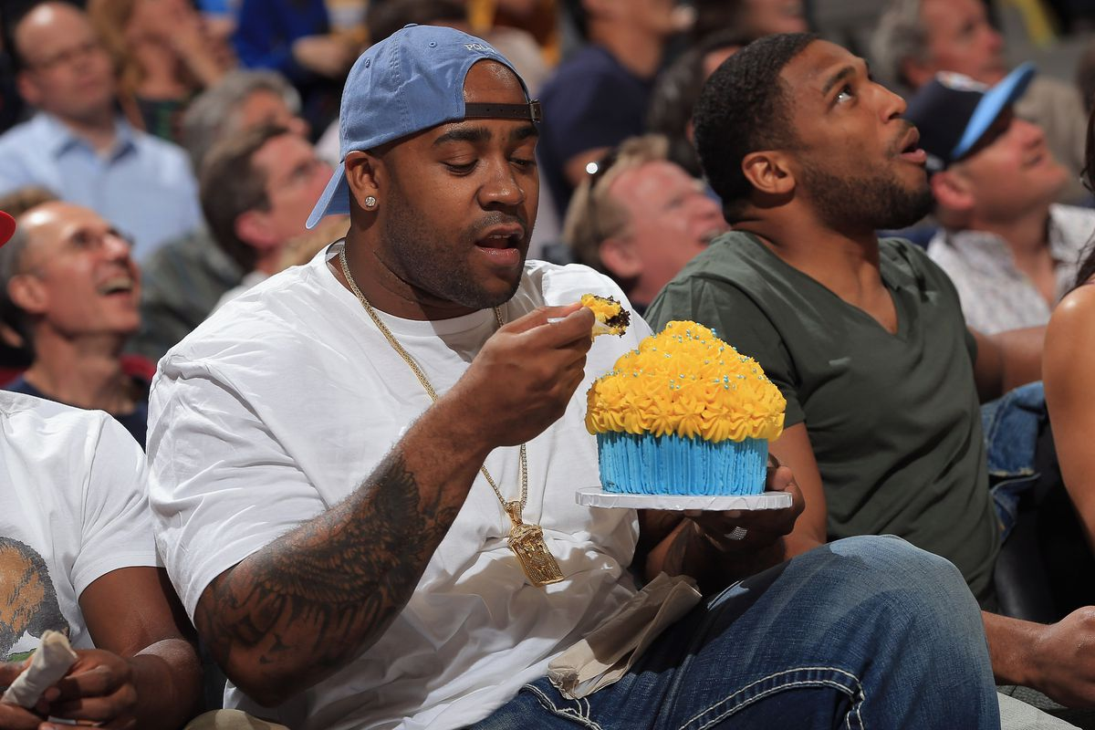 How much does that giant cupcake add to the economy? It's complicated.