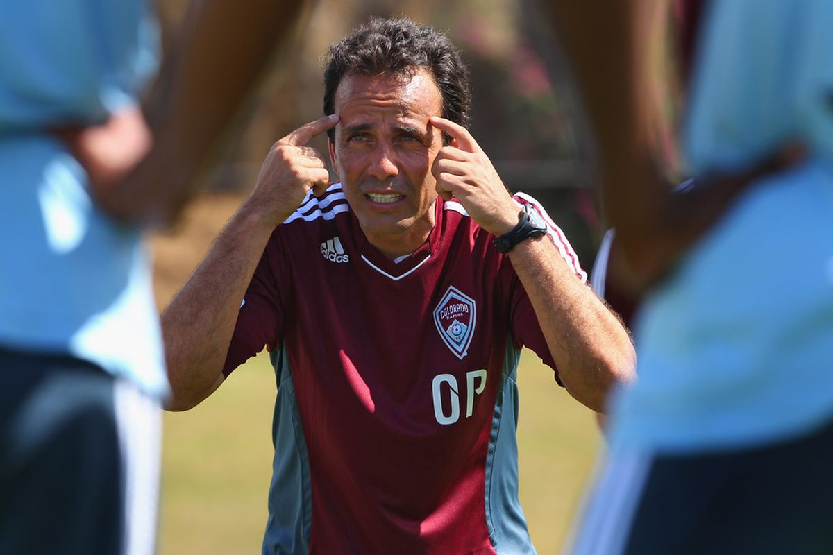 Rapids Head Coach Oscar Pareja knows his team needs to keep their heads in Seattle.  (Photo by Doug Pensinger/Getty Images)