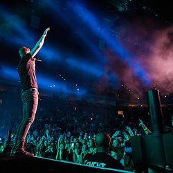 Dan Reynolds sings at the Tulsa, Olka. concert benefitting the Tyler Robinson Foundation on February 22.
