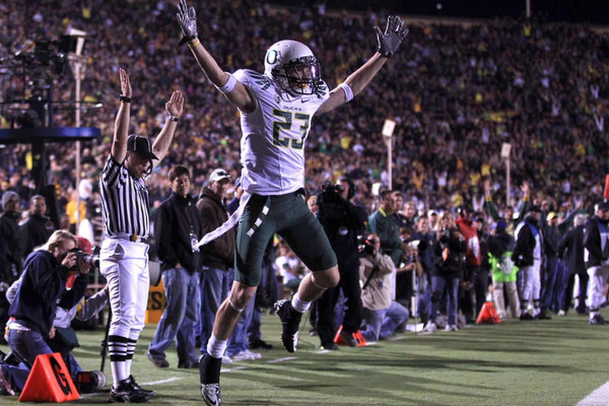 BERKELEY CA - NOVEMBER 13:  Jeff Maehl #23 of the Oregon Ducks celebrates after he scored a touchdown against the California Golden Bears  at California Memorial Stadium on November 13 2010 in Berkeley California.  (Photo by Ezra Shaw/Getty Images)