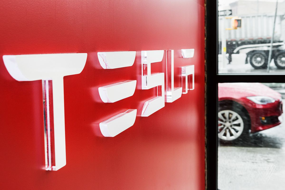 Tesla is developing autonomous trucks