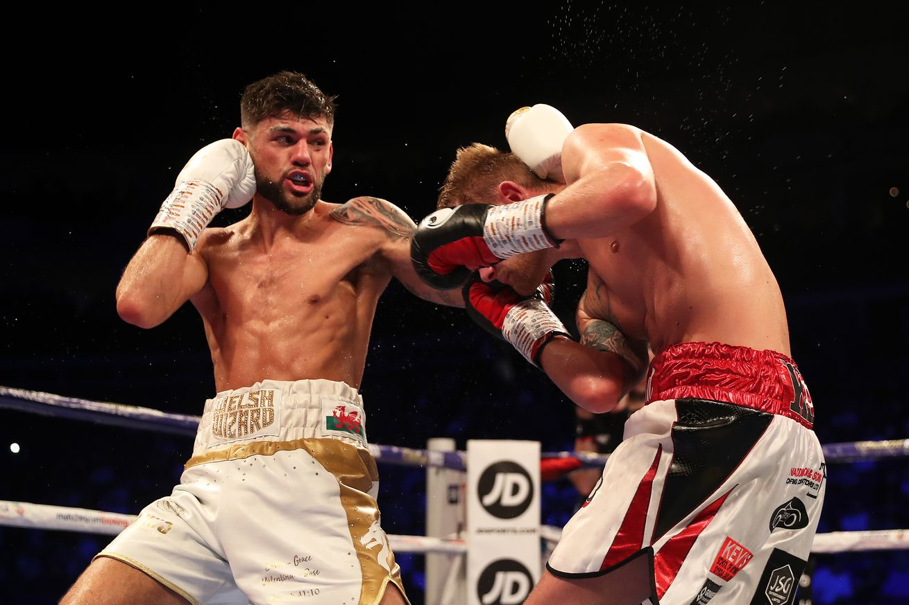 1143984787.jpg.0 - Cordina dominates and stops Townend to win British title