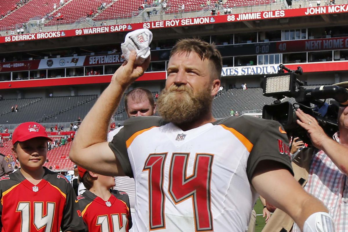 best sneakers 6d6f1 3fd7c Will Ryan Fitzpatrick replace Jameis Winston as the Bucs ...