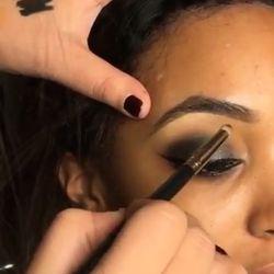 Jourdan Dunn's eye makeup, that just so happens to match her grey hair.