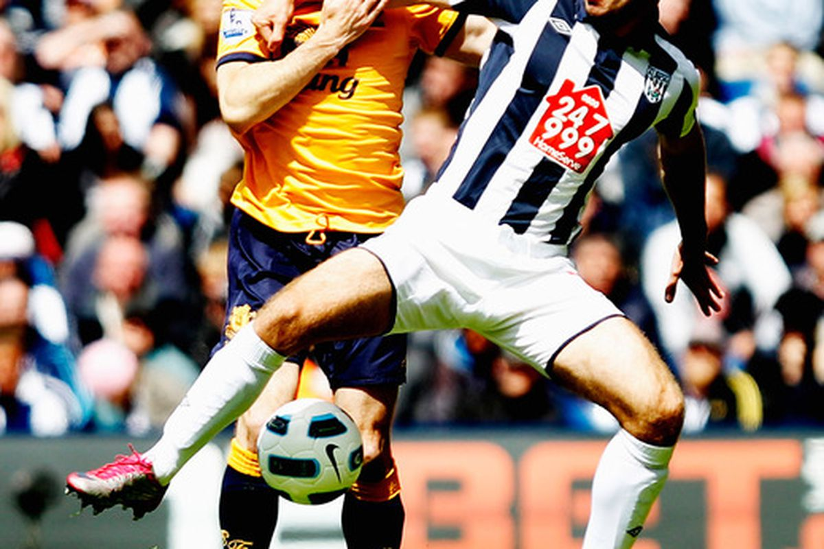 James Morrison of West Bromwich Albion fends off Leighton Baines of Everton. (Photo by Mark Thompson/Getty Images)