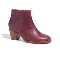 """<span class=""""credit""""><b>Madewell</b> Winston Boot, <a href=""""https://www.madewell.com/madewell_category/SHOESANDBOOTS/boots/PRDOVR~17340/17340.jsp?color_name=rich-plum"""">$208</a></span><p>"""