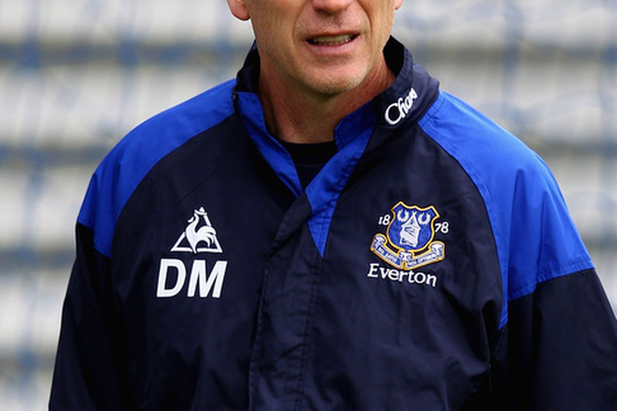LIVERPOOL, ENGLAND - OCTOBER 21:  Everton manager David Moyes during an Everton training session at Finch Farm on October 21, 2011 in Liverpool, England.  (Photo by Clive Brunskill/Getty Images)