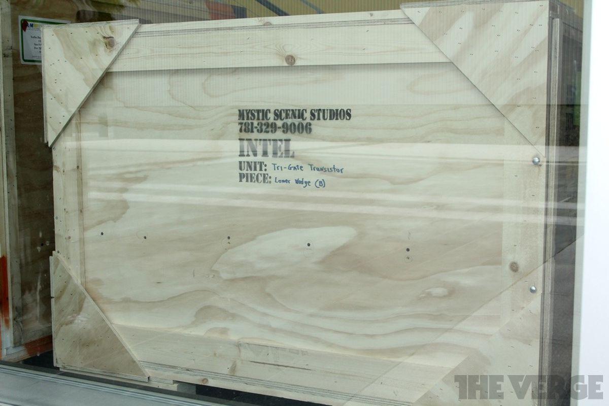 Intel tri gate transistor crate stock 1024