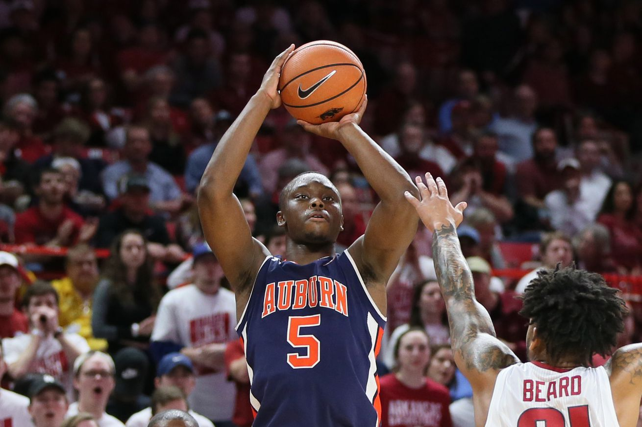 NCAA Basketball: Auburn at Arkansas