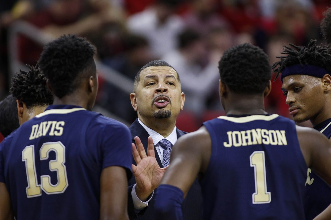 Pitt falls to No. 15 NC State in close game ef64f5145