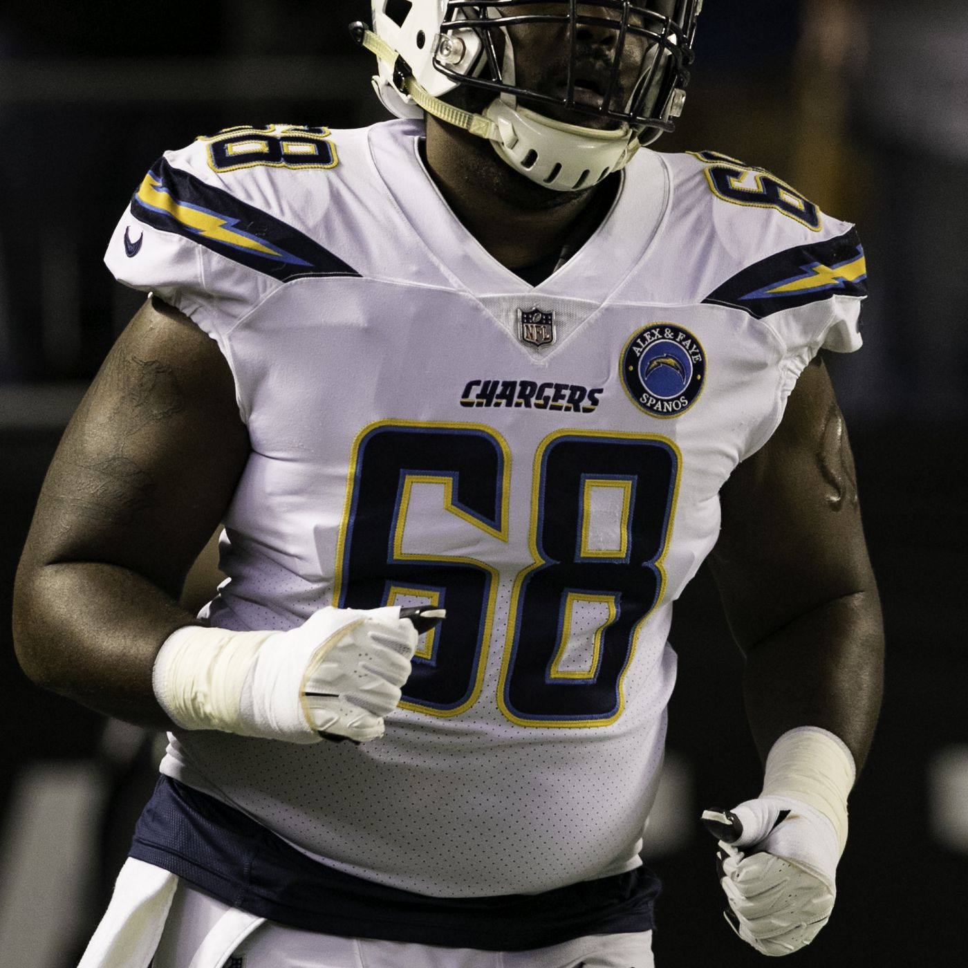 quality design 78a0b e02dd Los Angeles Chargers 90-in-90: OT Trent Scott - Bolts From ...