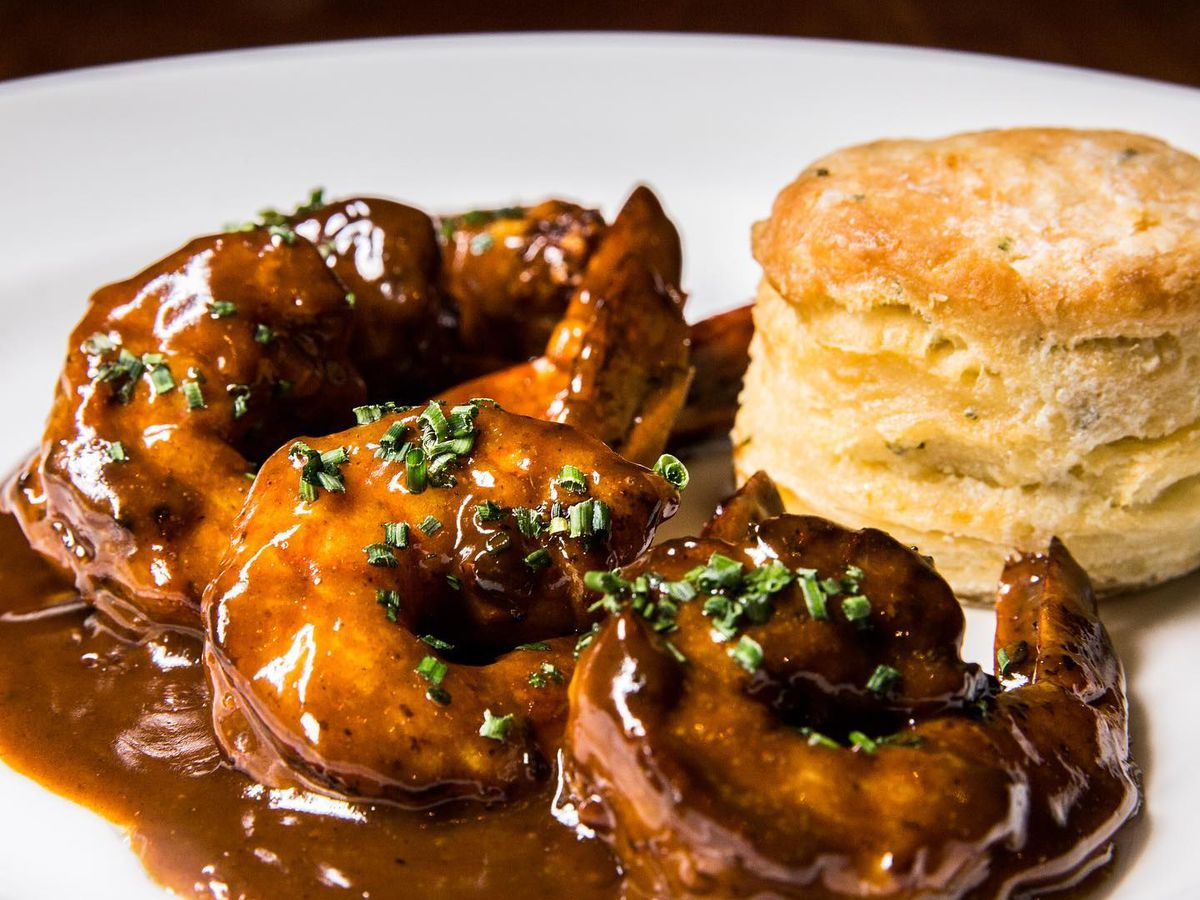 Barbecue shrimp with a rosemary biscuit