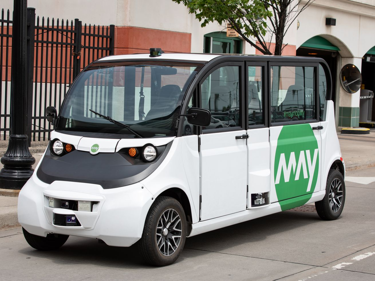 One of the May Mobility shuttles, currently running a test in downtown Detroit.