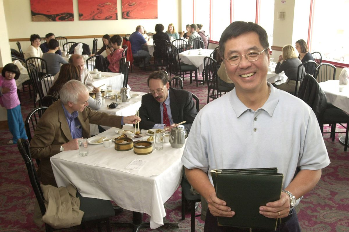 Eddy Cheung, who ran acclaimed Chinese restaurants in Chicago, has died of a heart attack at 69