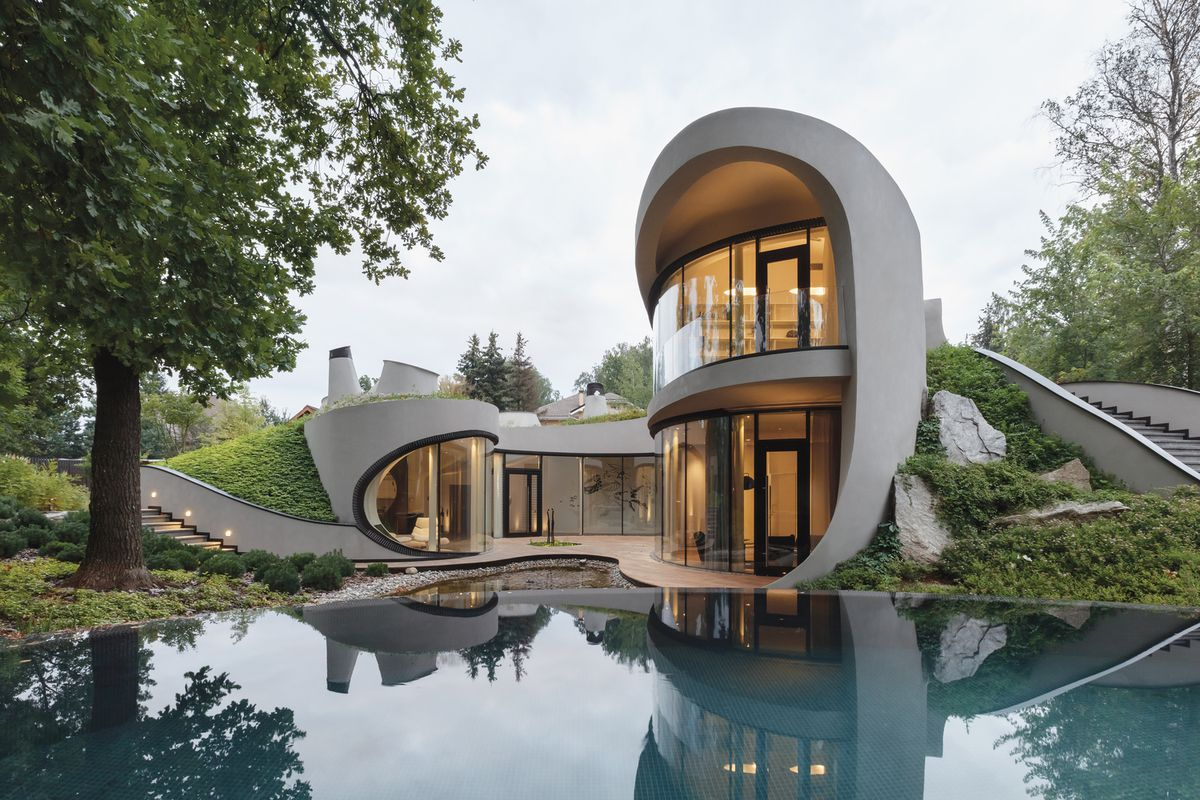 Futuristic modern home goes all in on curves near Moscow ... on Amazing Modern Houses  id=80755