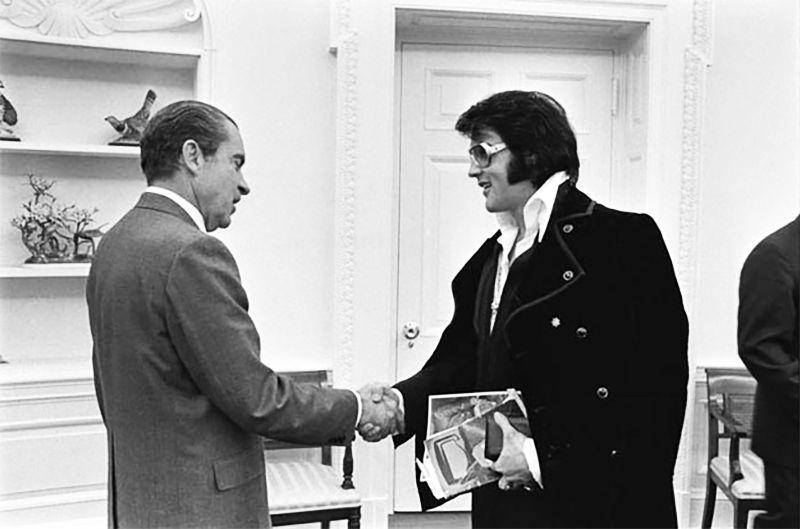 Elvis meeting Nixon