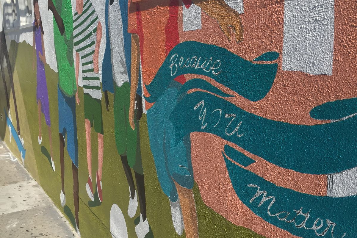 New Mission Street mural almost finished - Curbed SF