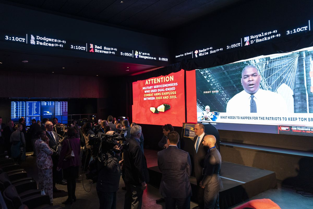 BetRivers Sportsbook, the first brick-and-mortar sportsbook approved by the Illinois Gaming Board, opens to the public at Rivers Casino in Des Plaines, Monday morning, March 9, 2020.