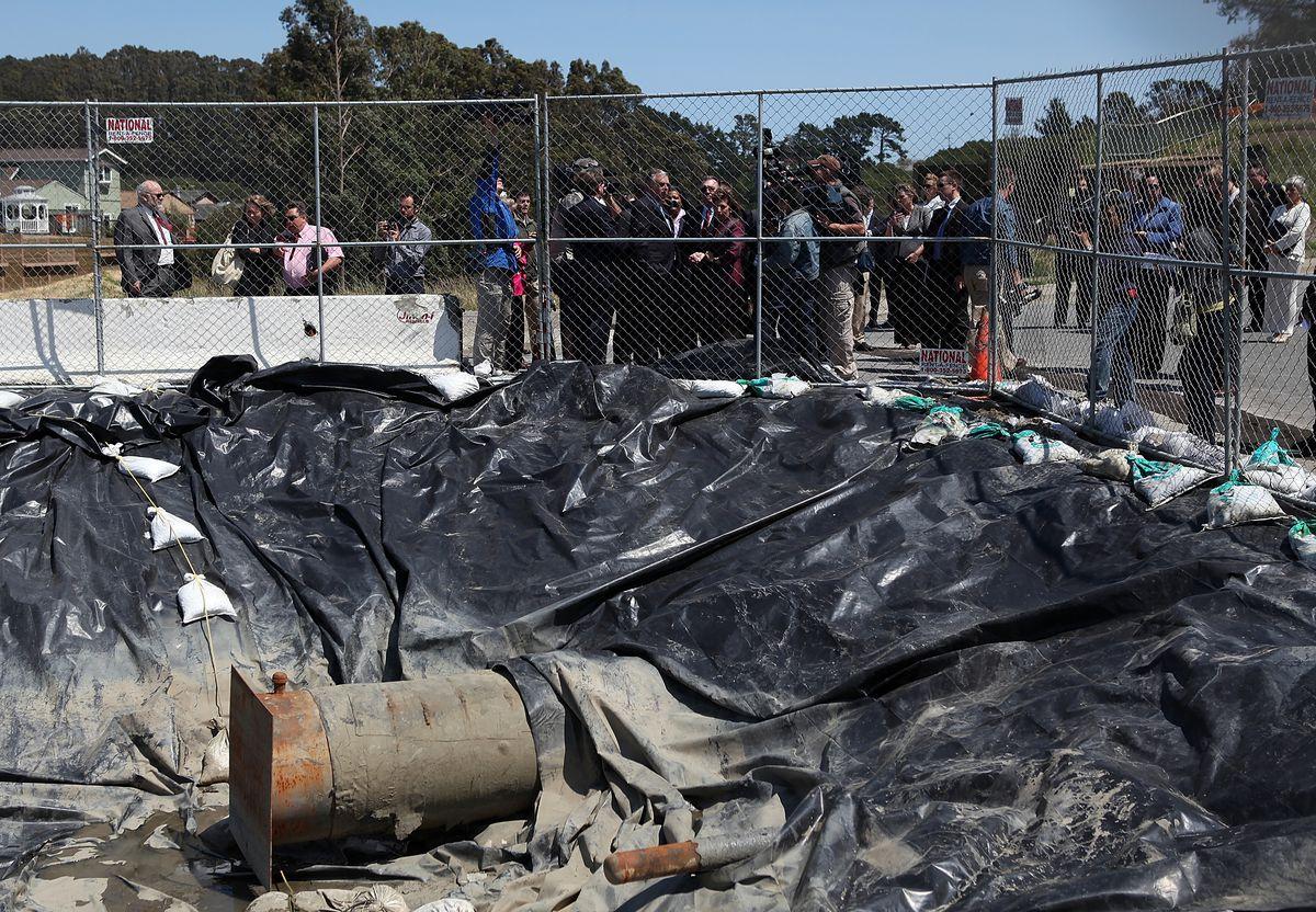 Transportation Sec. LaHood Tours Site Of PG&E Gas Explosion