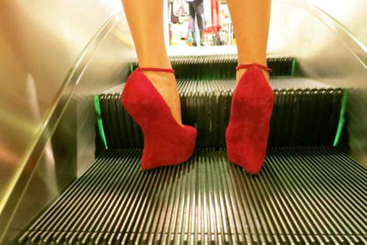 "Image via <a href=""http://blog.bergdorfgoodman.com/womens-style/shoe-obsessed-heel-less?utm_source=rss&amp;utm_medium=rss&amp;utm_campaign=shoe-obsessed-heel-less"">5th/58th</a>"