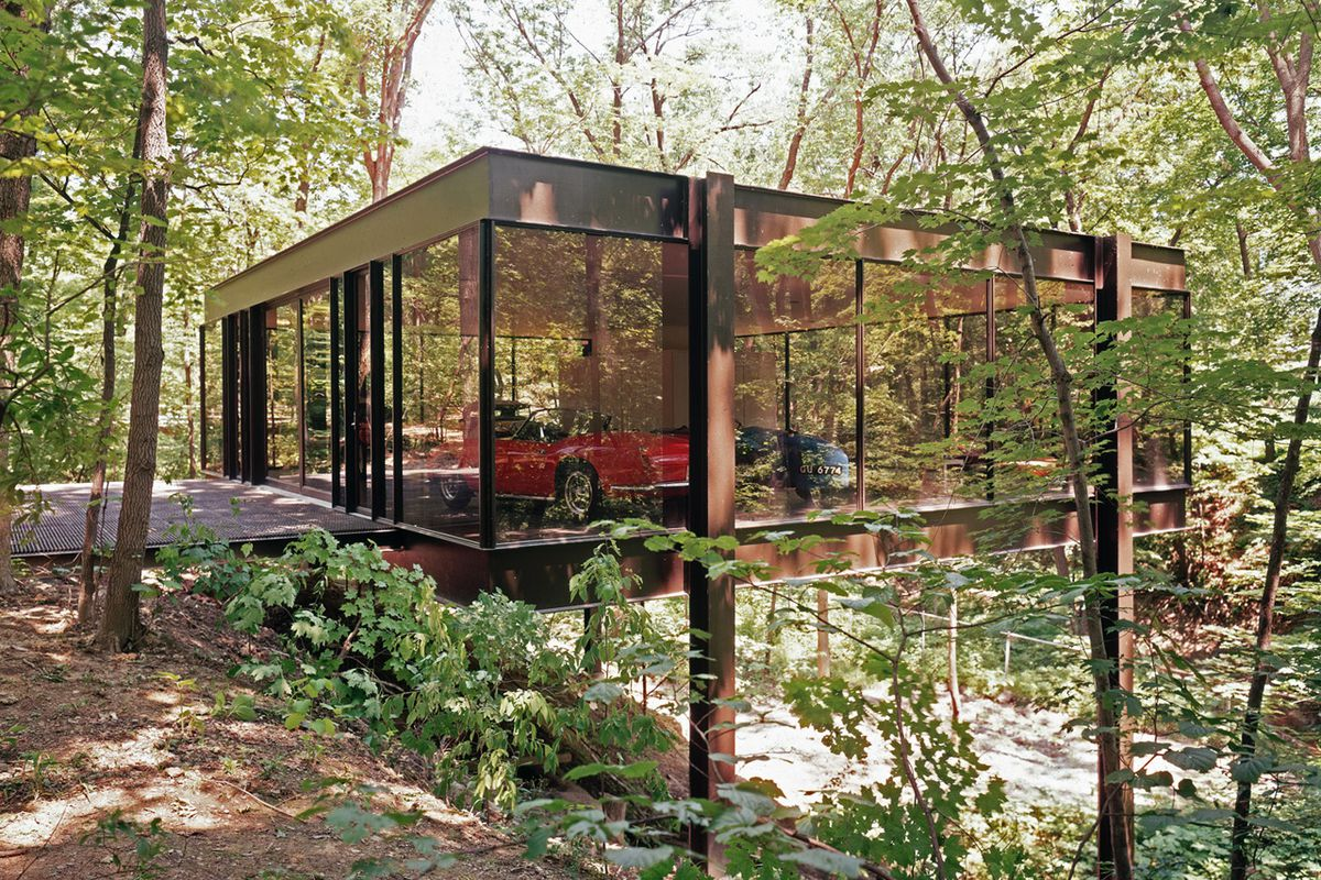 The famous Ferrari house from \'Ferris Bueller\' has finally sold ...