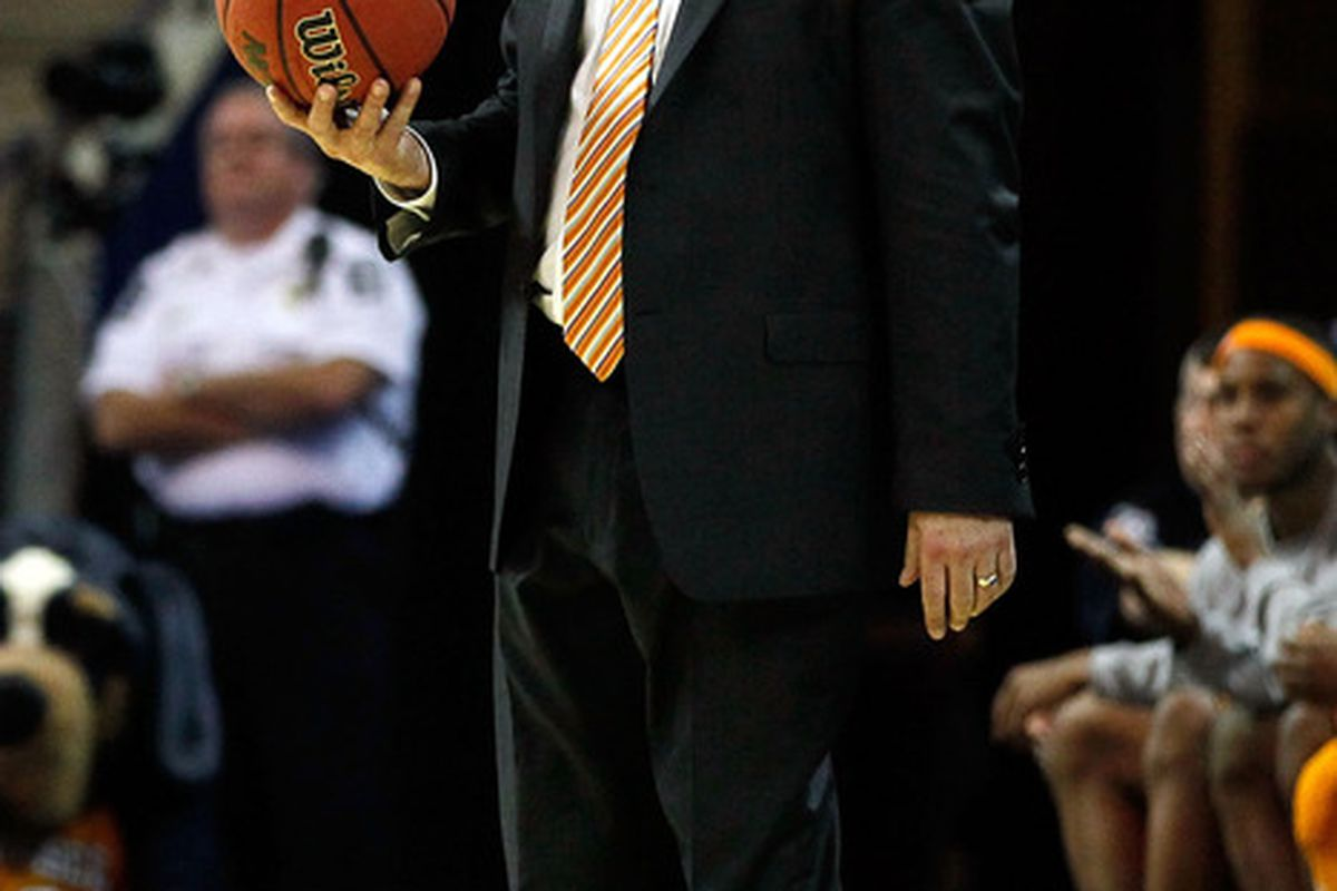 Bruce Pearl was one of several ex-Tennessee employees still drawing a paycheck last year.