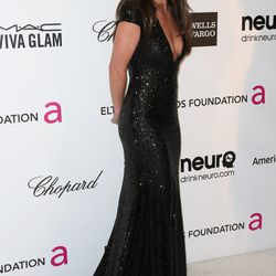 Britney's back! And she's brunette! And perfectly put-together in Michael Cinco Couture.