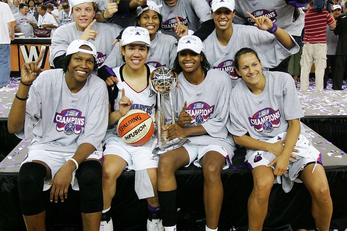 Sacramento Monarchs celebrate the 2005 WNBA Championship
