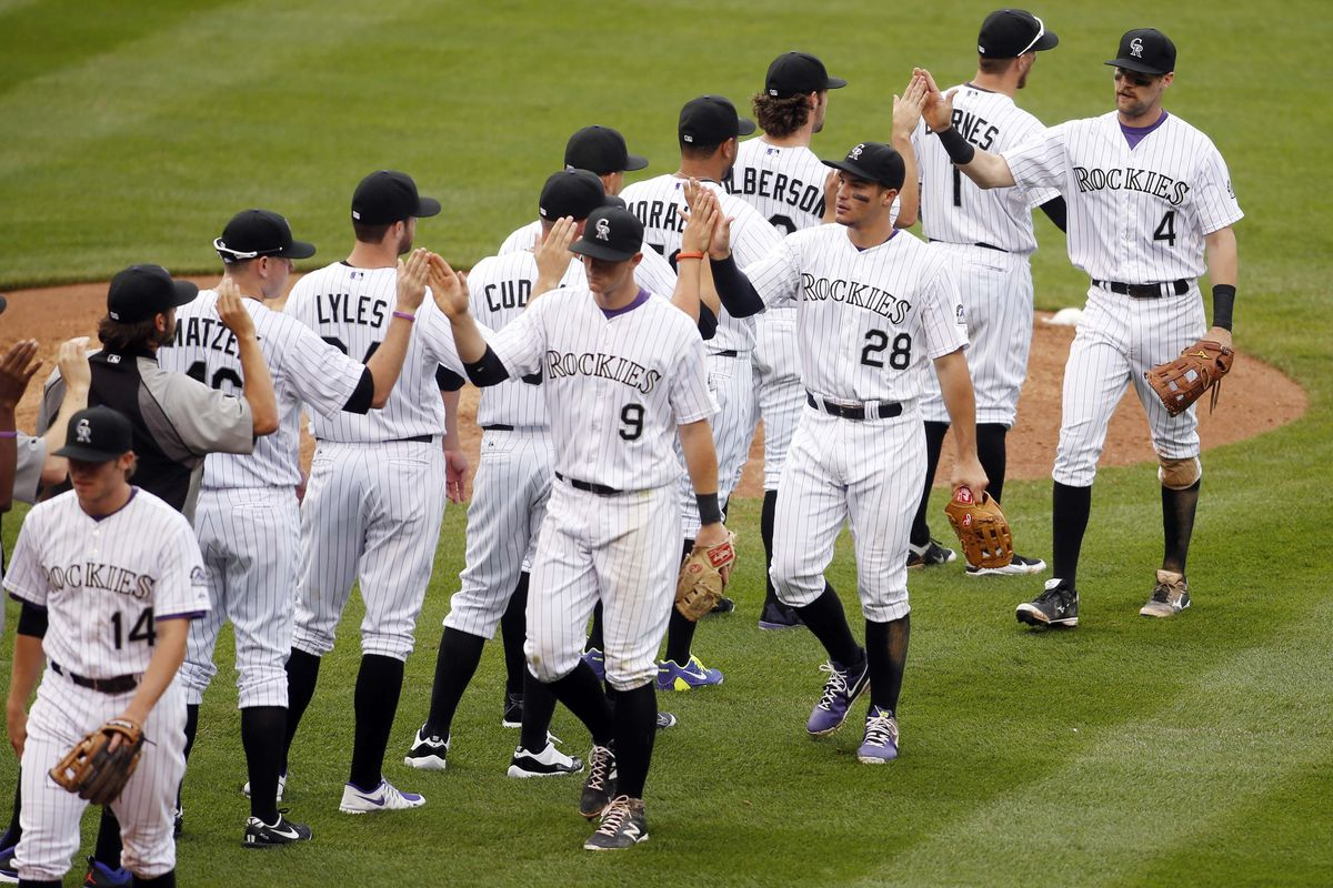 How many Rockies in this picture are NOT injured?