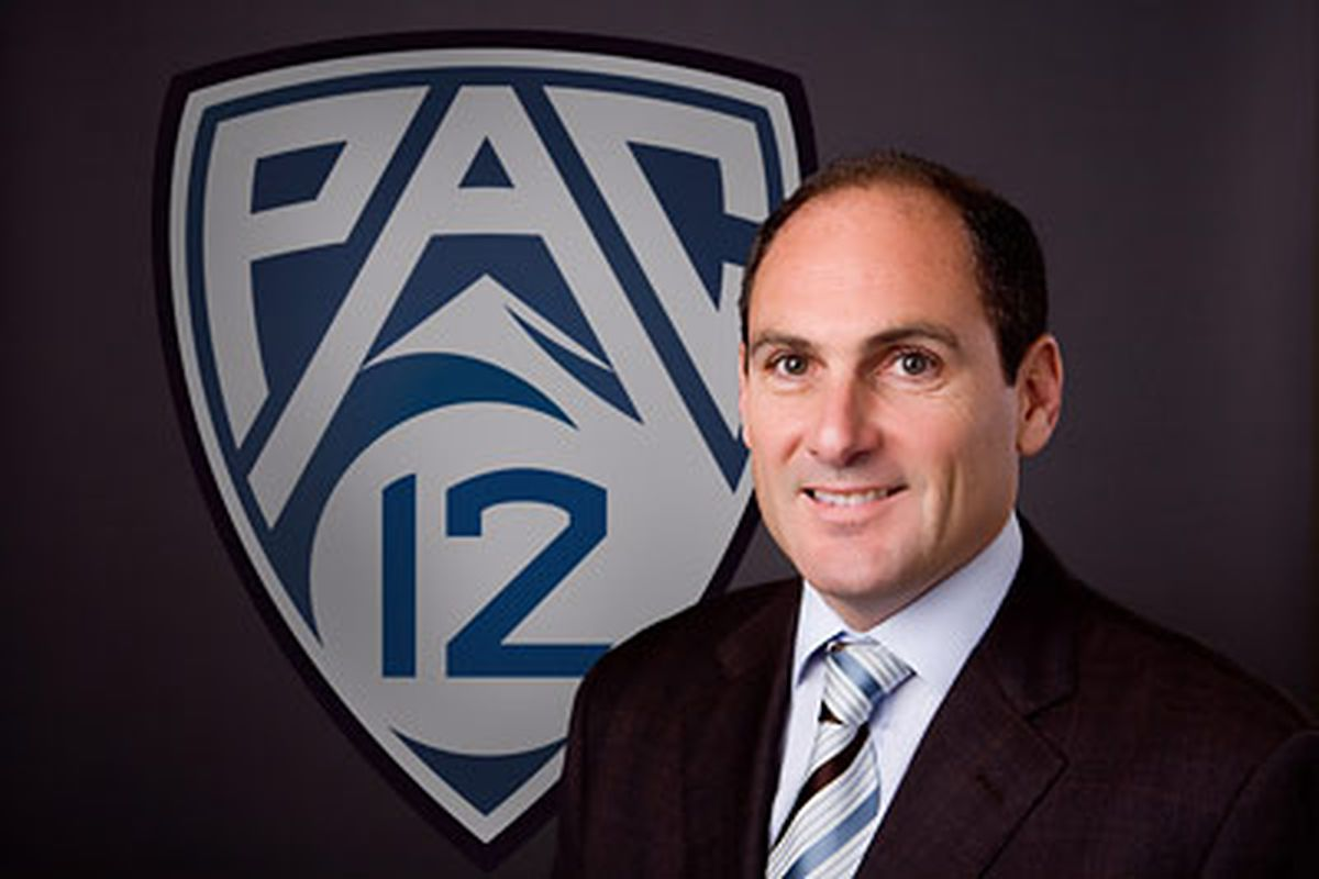 Larry Scott, the Pac-12 Conference Commissioner, received an extended contract, good through at least 2016, on Monday.