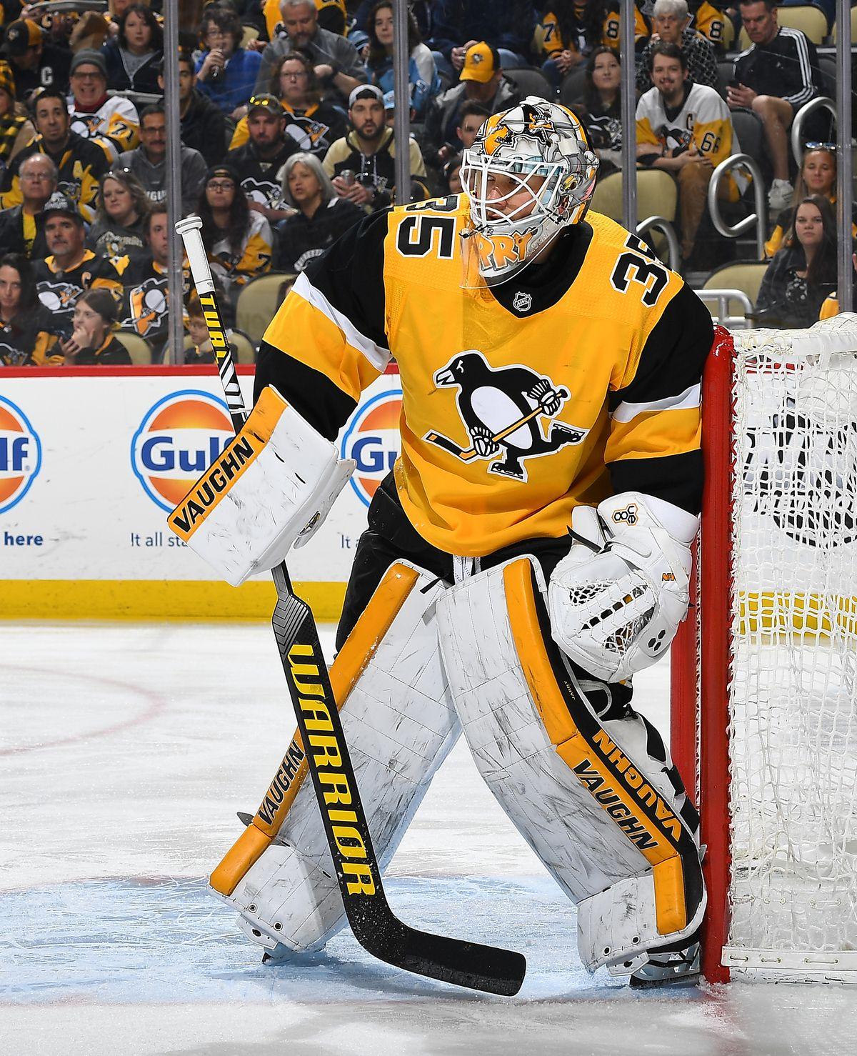 Carolina Hurricanes v Pittsburgh Penguins
