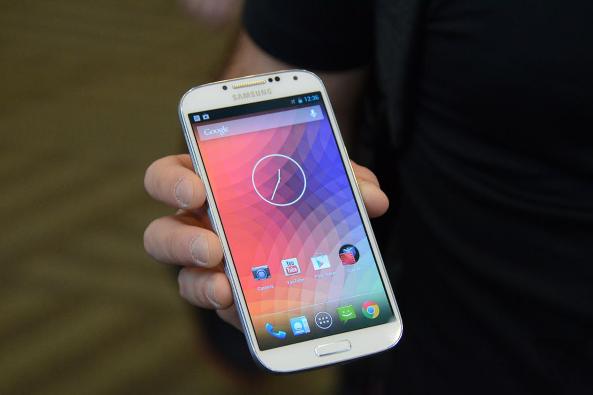 Gallery Photo: Samsung Galaxy S4 with stock Android pictures