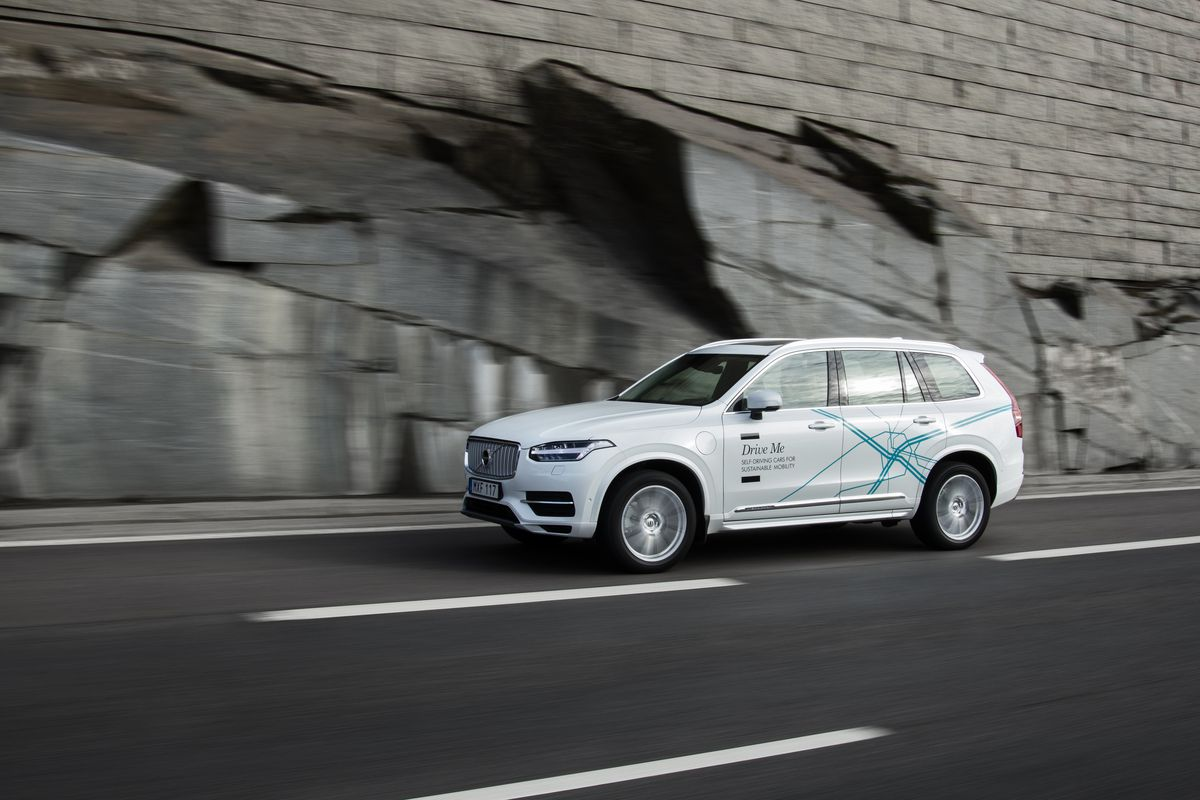 It S Been Awhile Since We Heard Anything About Volvo Audacious Experiment To Deliver 100 Self Driving Cars Regular People In Sweden For Testing