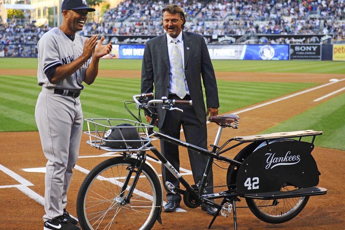 Pictured: Trevor Hoffman with some Arena Leaguer.